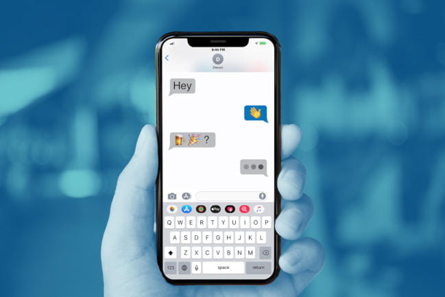 Smartphone displaying messages inviting a teen to drink alcoholic beverages