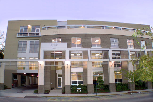 Image of the front of the MUSC Health Womens Care Downtown location.